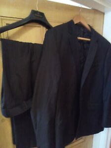 MENS VERY SMART DARK BLUE SUIT with fine pin stripe. SIZE 44 chest 38W 27L