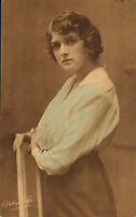 early  1900s  postcard  titled : gladys cooper