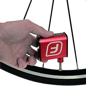 Fumpa Kompressorpumpe mini Bike Pump elektrisch 32x56x68 mm rot