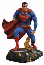 Diamond Select - DC Gallery - Comic Superman Pvc Figure