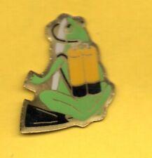 Pin's lapel pin Pins GRENOUILLE FROG  BOUTEILLES DE PLONGEE SOUS MARINE PALMES