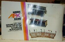 AFX AURORA MODEL MOTORING #1499 GRAND STAND DUAL PIT STOP CURVED BLEACHERS. (F8)