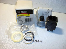 General Electric CR104A1002 Mini Oiltight Push Button Black (1544)