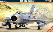 MC MiG-19S Farmer DDR NVA Polen Bulgarien Soviet Air Force 1:72 Bausatz NEU kit