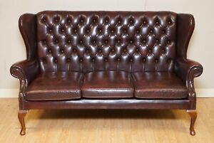 VINTAGE CHESTERFIELD OXBLOOD LEATHER THREE SEATER WINGBACK LEATHER SOFA SETTEE