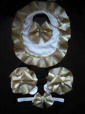 Le ragazze Romany Frilly Calzini in oro, fascia per capelli corrispondenti Bavaglino & Taglie 0 -2 1/2