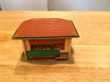 ho scale built building  kiosk / ice cream flower / fruit / newspaper stand shop