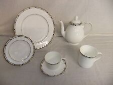 C4 Porcelain Royal Doulton Fine Bone China - Geometrix (2003) - 6E5A