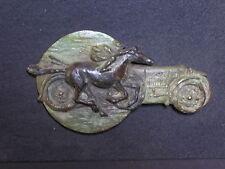 sculpture en bronze petit bas relief  course entre cheval et BUGATTI
