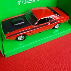Welly NEX Dodge Challenger 1970 Model Diecast Car  1:24