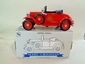 LIBERTY CLASSIC FORD MODEL A ROADSTER FIRE CHIEF BANK W / KEY 1 /25 SCALE