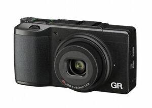 Ricoh GR II Digital Neuware vom Fachhändler GRII  +Zubehörpaket GC-5 / 32GB