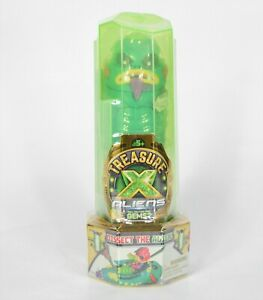 Treasure X Aliens - Dissection Kit with Slime, Action Figure, & Treasure 41542