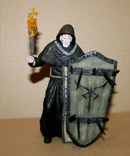Resident Evil 4 Illuminados monk with shield Action Figure Figurine NECA