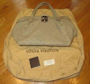 Louis Vuitton M93081 Mahina Cirrus PM Handbag - Beige Coquille - Authentic