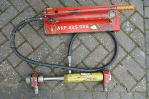 Enerpac BRC-46 4t pull cylinder ram with P39 hand pump