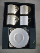 NIB Set of 4 Royal Worcester Snow Gold Demitasse Espresso Cup & Saucer 8 Piece