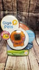 Giga Pets PUFFBALL Keychain A Virtual Pet by Tiger Games Hasbro Handheld Toy t14