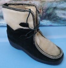 Women Winter Wedge Ankle Boot White and Black Size 7M