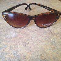 TAHARI TH541 ts Authentic Designer Tortoise Crystal Sunglasses