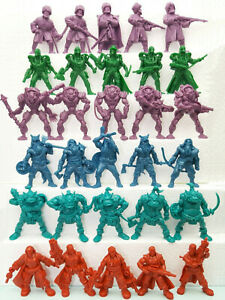 Set of 30 toy soldiers. Soft plastic 54mm Tehnolog