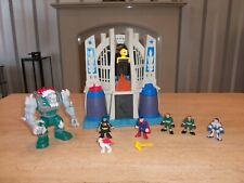 Imaginext DC Comics Doomsday V Superman y Batman en el Salón de la justicia