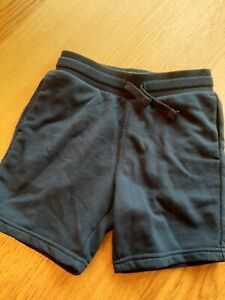 Pair of boys Shorts short pants from H&M in navy jersey – age 5-6
