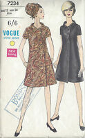 1960s Vintage VOGUE Sewing Pattern B34 DRESS (1067)