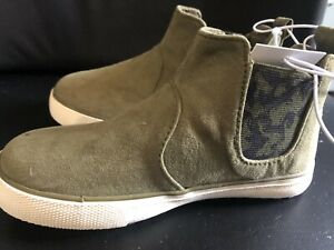 Cat & Jack Olive/Anton Casual Fashion Slip On Boots Size 9 Suede Like Material