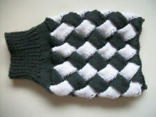 "HAND KNITTED ENTRELAC,8"".XSMALL DOG/CAT COAT/JUMPER,GREEN AND WHITE,HALLOWEEN"