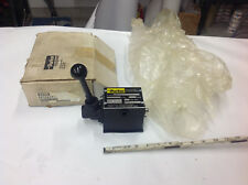 Parker 5DLEAD 320341 2-Position Directional Control Valve 5000 PSI.   NEW