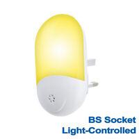 Automatic LED Night Light Plug in Energy Saving Dusk 2 Dawn Sensor Kids Light