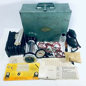 Vintage 1950s Bacharach Gas Analyzer Combustion Fyrite Kit Smoke Test Metal Case