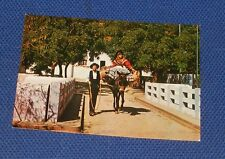 Algarve - Pair Of Peasants Carrying Water For Their Comsumption - Portugal