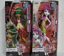 MONSTER HIGH JINAFIRE LONG & SPECTRA VONDERGEIST GHOULS GETAWAY DOLLS.