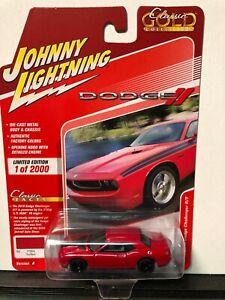 1/64 JOHNNY LIGHTNING CLASSIC GOLD 2010 DODGE CHALLENGER R/T TOR RED