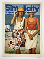 1975 Womens Fashion Vintage Zellers Flyer August Simplicity Fashion News 725A