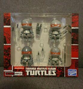 SDCC 2015 Loyal Subjects Teenage Mutant Ninja Turtles Set-Battle Damage - SIGNED