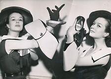 Mode 1952 - Création le Sac à Main Manchette Paris - PR 528