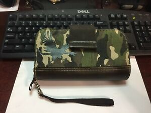 Pacific Design iPod Nano Uptown Clutch Camo Pattern & Leather zippered Wallet
