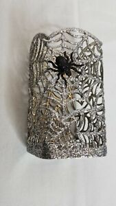 BATH & BODY WORKS SILVER SPIDER WEB WITH SPIDER GENTLE FOAMING SOAP HOLDER