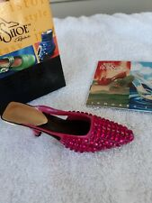 Just The Right Shoe by Raine 2002 Midori Magenta 25227 Willitts