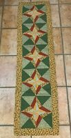 MODERN XMAS TABLE RUNNER QUILT PATCHWORK RED GREEN YELLOW HOLLY STARS  EU