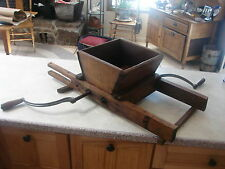 VERY RARE Antique Two Person PACIFIC FRUIT EXCHANGE 1901 Grape Crusher Press Woo