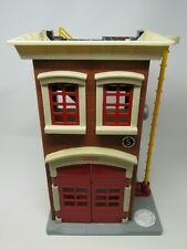 MATTEL FISHER PRICE 2007 IMAGINEXT FIREHOUSE FIRE STATION PLAYSET, RED/BLACK
