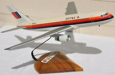 Vintage United Airlines Boeing 767 Desk Display Model Jet Airliner Airplane Old
