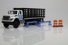 International Workstar NYPD Police Flatbed Stake Truck 1:64 Scale Diecast Model