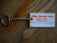 Vintage Laurens IA Iowa Twin Draulic Keychain Key Ring