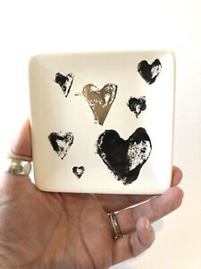 """Creative Co-Op Stoneware Heart Ring Accessory Dish 4"""" x 4"""" Black and Gold Gift"""