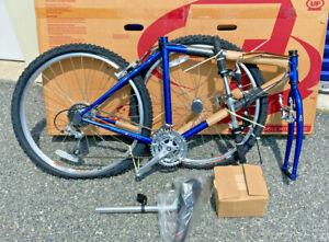 "Vintage NOS 1998 TREK 920 Mountain Bike Brand New in the Box 19.5"" Frame"